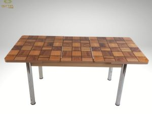 EXTENDABLE DINING TABLE (walnut).